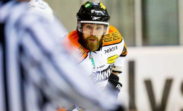Matt Nickerson pelasi KooKoossa Mestistä kaudella 2012-13. Tätä ennen hänet olin nähty SM-liigassa Ässien ja Ilveksen riveissä.