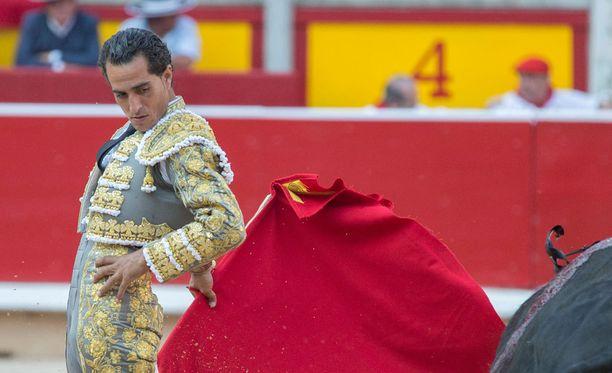 Espanjalainen härkätaistelija sai kuolettavan osuman sarvesta Ranskassa lauantaina.