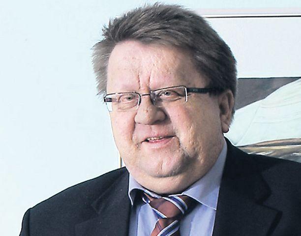 Pekka Hyvärisen johtama Julkisen sanan neuvosto otti eilen kantaa selostuksiin eduskunnan seksihäiriköistä sekä Jokelan tapahtumista.