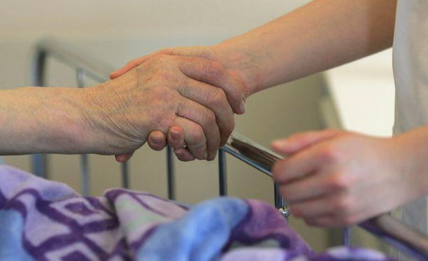 Leena joutui jäämään pari kuukautta sitten sairauslomalle työuupumuksen vuoksi eikä hän aio enää palata alalle.