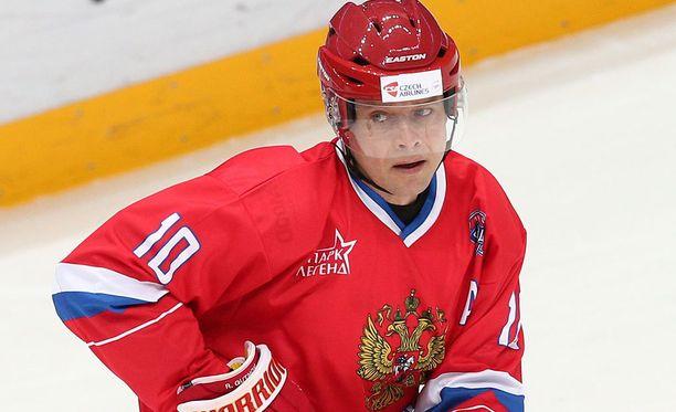 Pavel Bure johdatti Venäjän WLHL:n finaaliin.