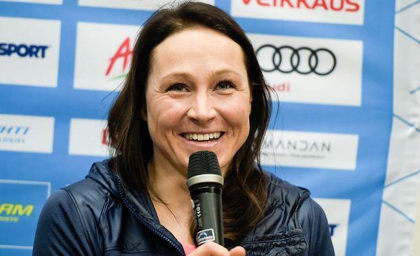 Aino-Kaisa Saarinen pokkasi MM-Lahdesta taas uuden mitalin palkintokaappiinsa.