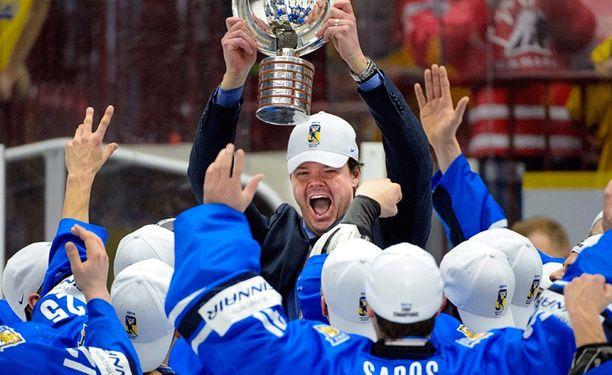 Karri Kivi luotsasi Pikkuleijonat MM-kultaan.