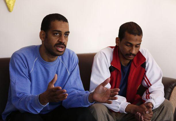 Alexanda Kotey (vas.) ja El Shafee Elsheikh ovat syytettyinä lukuisista brutaaleista Isisin tekemistä murhista, joista moni videoitiin. Arkistokuva maaliskuulta 2019.