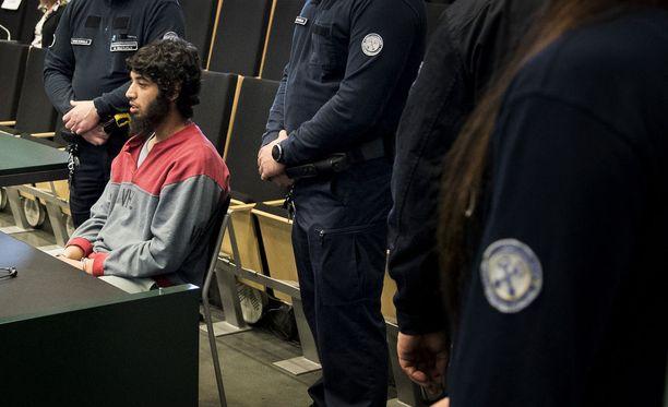 Terroristisista murhista ja murhan yrityksistä syytetty Abderrahman Bouanane saa tuomionsa huomenna.