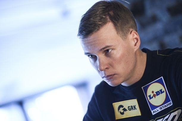 Matti Heikkinen on iskussa, sanoo henkilökohtainen valmentaja Toni Roponen.