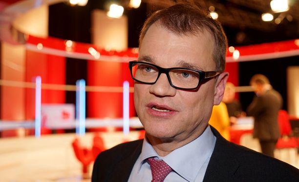 Eurooppalainen Suomi ry:n tiedotuspäällikkö Hannu-Pekka Ikäheimo poisti keskustan puheenjohtajaa Juha Sipilää (kuvassa) koskeneen blogikirjoituksensa ja palautti sen muokattuna takaisin.