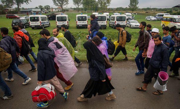 Suomi on luvannut ottaa vastaan 2 400 turvapaikanhakijaa.