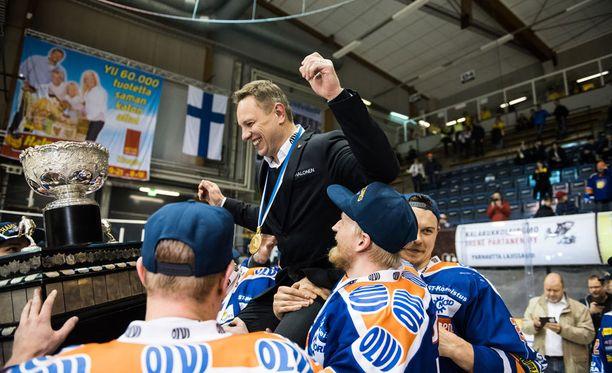 Jussi Tapola valmensi Tapparan kahteen mestaruuteen.