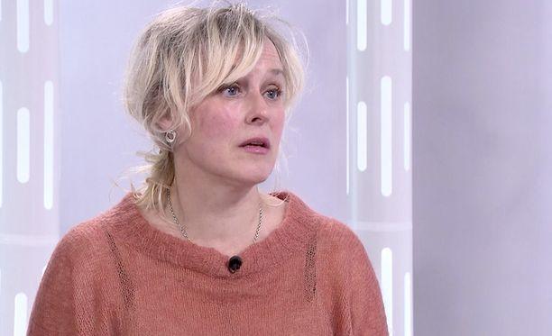 Ohjaaja-näyttelijä Leea Klemola ei pitänyt Louhimiehen kanssa työskentelystä.