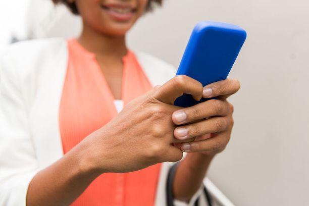 Tutkimuksen mukaan paljon Facebookia käyttävillä nuorilla oli niukemmin harmaata ainetta aivojen mielihyväkeskuksessa, kuin vähän Facebookia käyttävillä.
