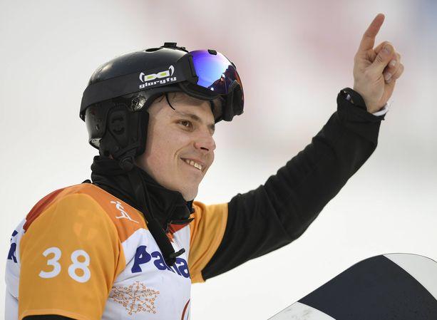 Pyeongchangissa paralympiakultaa voittaneen Matti Suur-Hamarin valmentaja Mikko Wendelin kuoli äkillisesti sairauskohtaukseen viime viikolla.