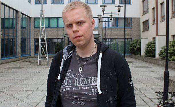 Hovioikeuden tuomion mukaan Joni Lappalainen, 24, on sairastelunsa vuoksi joutunut käymään 500 kertaa lääkärillä.