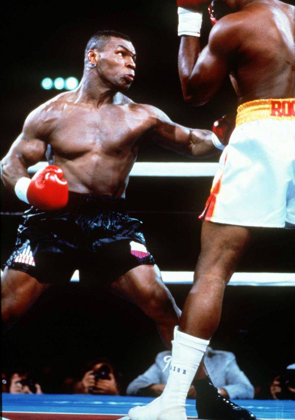 Mike Tyson oli huippuvuosinaan todella tuhovoimainen iskijä.