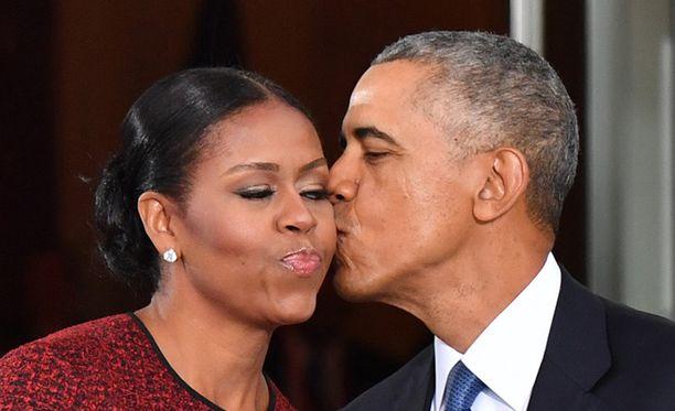 Michelle ja Barack Obama lähettivät onnittelukirjeen tulevalle avioparille.