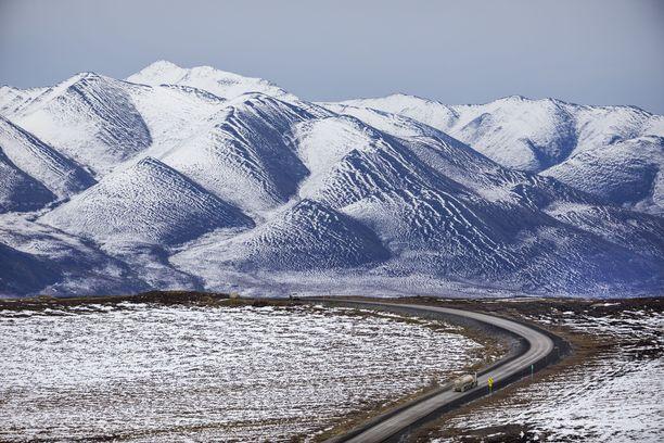 Lumen mukana sataa mikromuovia, uusi tutkimus kertoo. Kuva Alaskasta, josta osia lasketaan kuuluvaksi Arktiseen alueeseen.