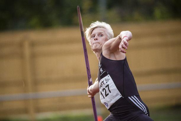 Topias Laine on 18-vuotiaiden maailmantilaston kärkiheittäjä tuloksella 76,98.