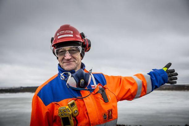 Terrafamen hallituksen puheenjohtaja Lauri Ratia esitteli nikkelintuotannon lupaavia näkymiä.