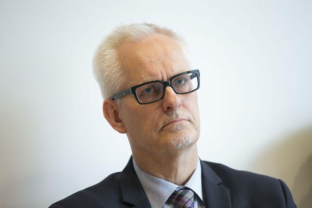 Petri Sarvamaa sanoo aina kannattaneensa naisen oikeutta aborttiin.