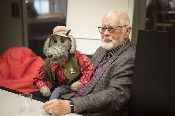 Kuvassa Ransu ja Pertti Nättilä Pikku Kakkosen 40-vuotisjuhlan lehdistötilaisuudessa.