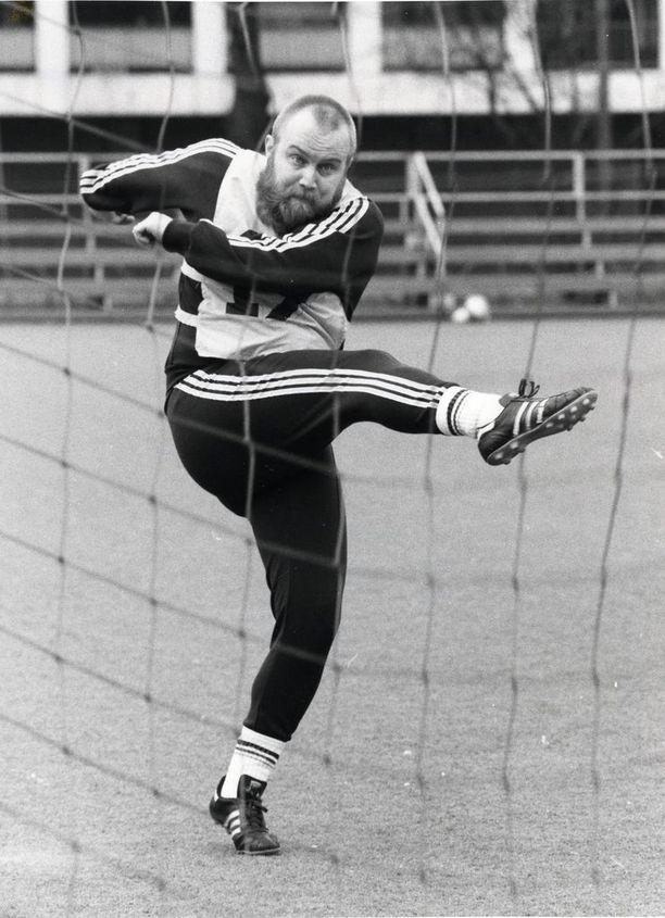 Gösta Sundqvist oli nuorena lupaava pelimies.