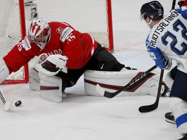 Arttu Ruotsalainen iski kolme maalia Kanadan verkkoon.
