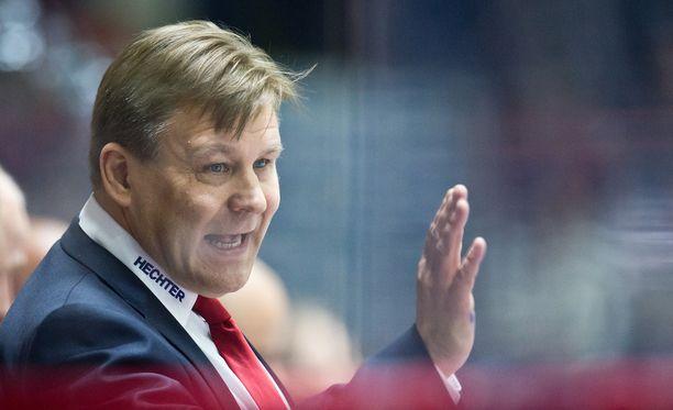 Raimo Summasen Omsk pelaa KHL:ssä voitokkaasti.