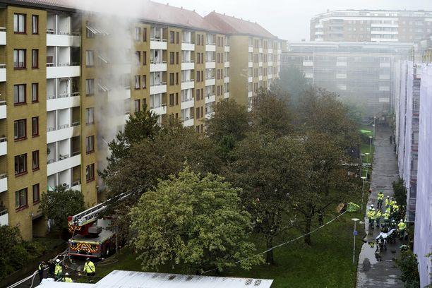 Kerrostalossa Göteborgin Annedalissa räjähti varhain tiistaiaamuna.