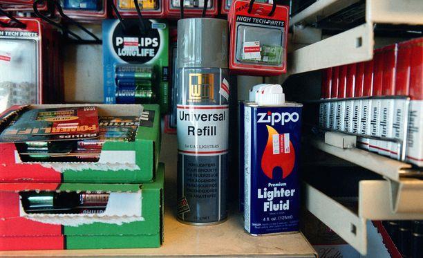 Valviran lakimiehen mukaan tupakointivälineiden myyntirikos koskee ainoastaan tupakkatuotteita. Arkistokuva.