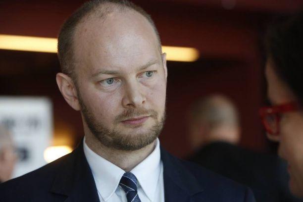 Sampo Terho (ps) on valmis rajaamaan Suomen kansalaiset ulos lakiesityksestä, jolla perheenyhdistämisen ehtoja tiukennetaan.