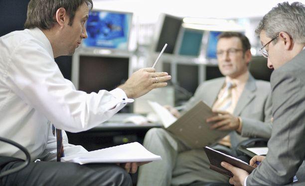 Vahvimpia työmarkkinoita ennustetaan rahoitus-, vakuutus- ja kiinteistöalalla sekä liike-elämän palveluissa.