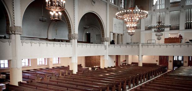 Häitä vietetiin Kallion kirkossa.