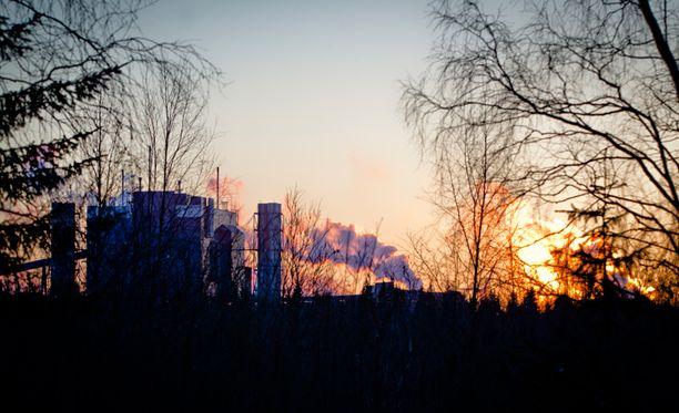 Tornion tehtaalta katoaa samalla korkeintaan 80 työpaikkaa, Outokumpu on arvioinut.