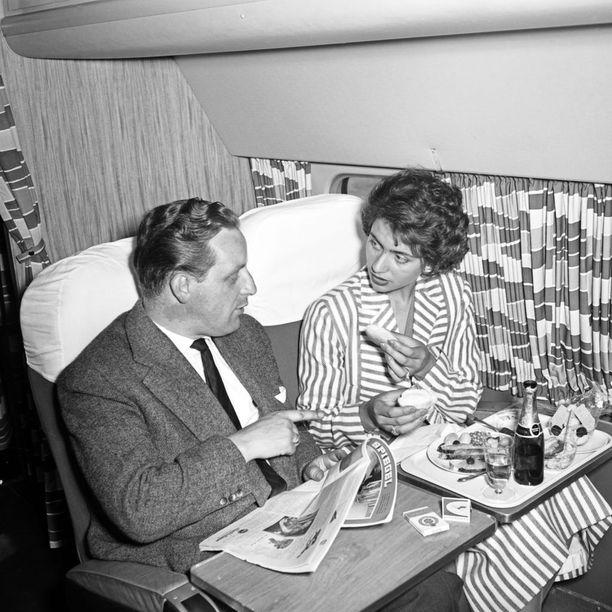 1950-luvulla koneissa saattoi olla näinkin kodikas sisustus.