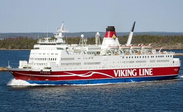 Päällikön mukaan hän olisi kääntänyt Rosellan takaisin satamaan, jos visiiriä ei olisi saatu suljettua. Hän kuitenkin katsoi, että alus oli merikelpoinen eikä matkustajille tai lastille koitunut vaaraa, vaikka visiiri ei ollut täysin suljettu.