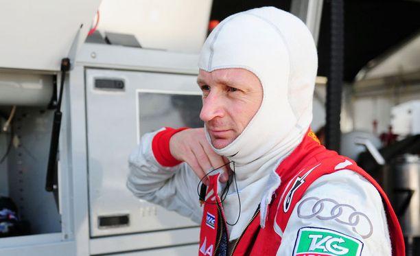 Allan McNish muistetaan F1-uraltaan Mika Salon tallikaverina.