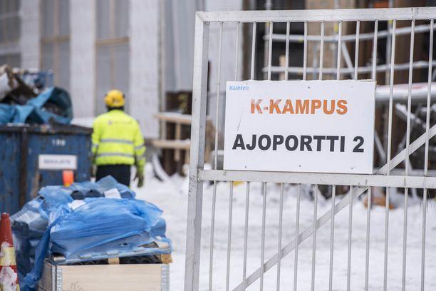 Korona-ajan monet ohjeet on mietitty niin sanotun valkokaulustyöntekijän näkökulmasta. Toivottavasti koronan jälkeen ei ole niin, kirjoittaa Iltalehden toimittaja Sami Koski.