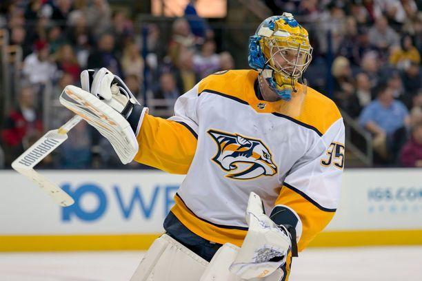 Nashvillen Pekka Rinne voitti maalivahtien kaksinkamppailun Coloradon Semjon Varlamovia vastaan.
