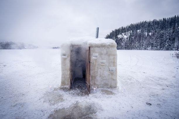 Jääsaunan löylyt on jo testattu ja hyviksi havaittu.