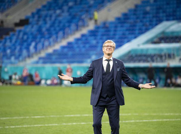 Markku Kanerva johdatti päävalmentajana Suomen miesten maajoukkueen ensimmäistä kertaa arvoturnaukseen.