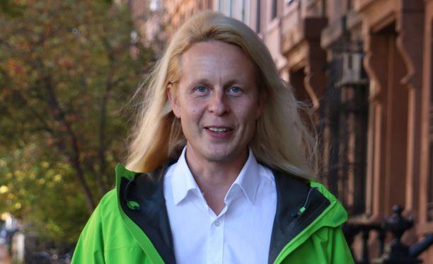 Piraattipuolueen varapuheenjohtaja Petrus Pennanen pääsi läpi Helsingissä.