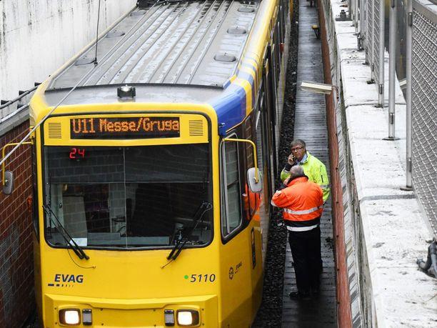 Onnettomuus tapahtui U11-linjan asemalla Essenissä varhain torstaiaamuna.