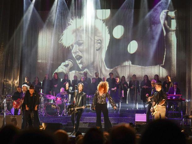 Roxetten Marie Fredrikssonia muisteltiin maanantaina koskettavassa muistokonsertissa Göteborgissa.