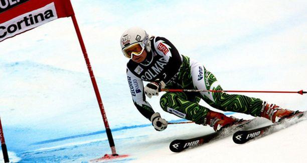 Tanja Poutiainen nousi suurpujottelun maailmancupin pisteissä jo toiseksi.