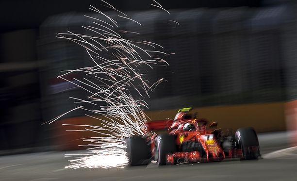 Kimi Räikkösellä on ollut hyvä isku Singaporen GP:n harjoituksissa.