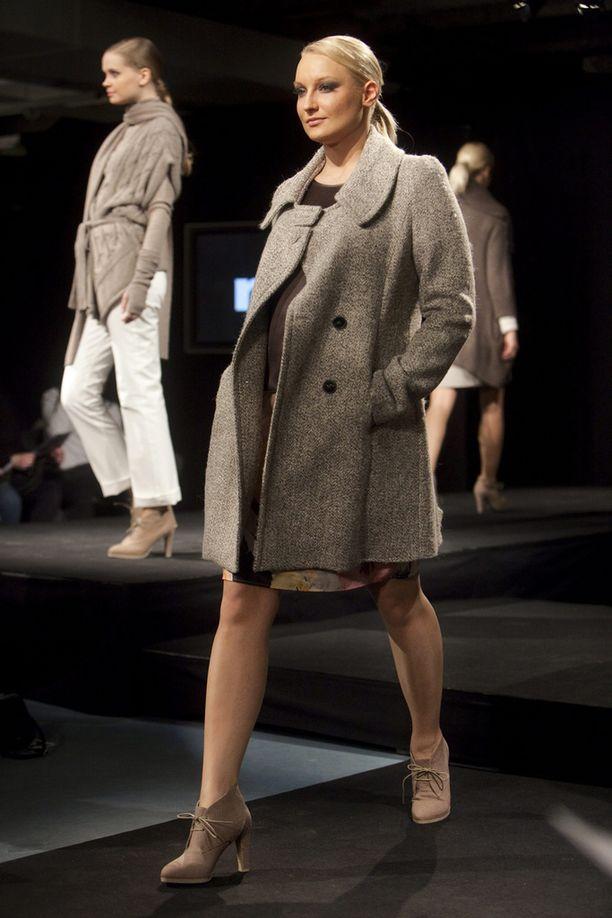 Vuonna 2010 Laaksonen nähtiin Helsinki Fashion -muotinäytöksen catwalkilla.