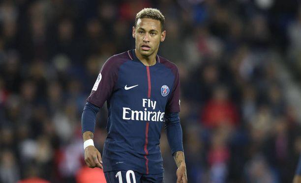 Neymar on sivussa PSG:n seuraavasta ottelusta.