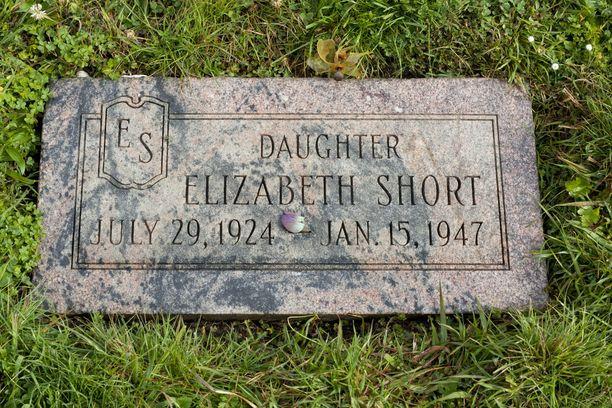 Kuvassa Elizabeth Shortin viimeinen leposija.