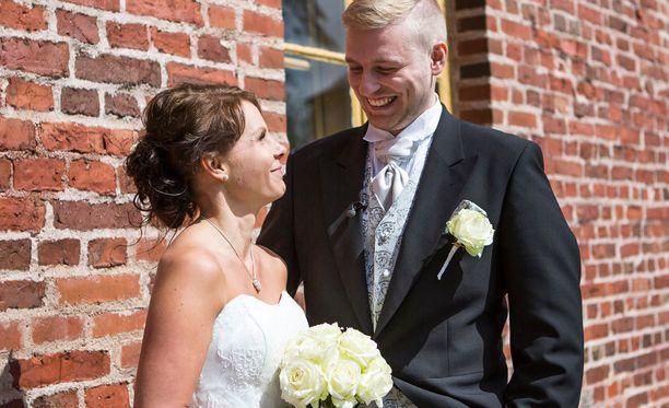Tanja ja Roni ovat vääntäneet kättä jo moneen otteeseen.