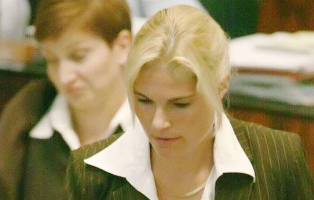 Merikukka Forsiuksen loikkaus pani Keskustan ja Kokoomuksen puntit tasan eduskunnassa.